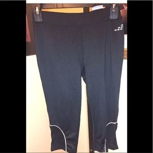 BCG Running fitted Capri leggings new w tags XS